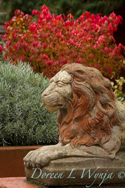 Lion concrete painted garden statue_7083